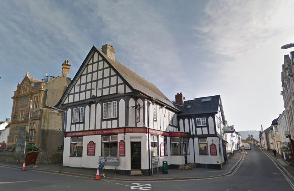 Bell Inn, Cross Street, Moretonhampstead, Newton Abbot, TQ13 8NL